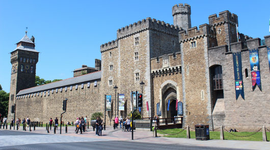 Doctor Who Cardiff Castle and City Walking Tour [Unofficial]