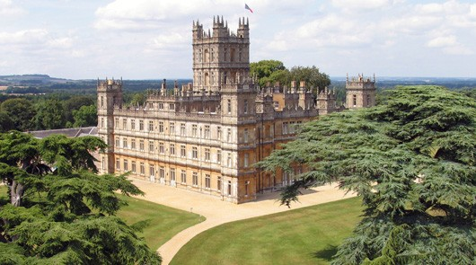Downton Abbey Private Tour of Filming Locations by Black Taxi