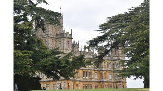 Downon Abbey Coach Tour - Highclere Castle exterior